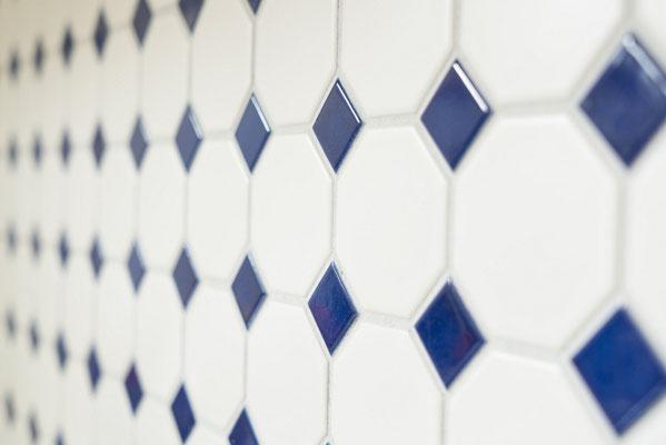 Mosaico 5,6x5,6 cm Ottagono Bianco opaco Blu Cobalto lucido