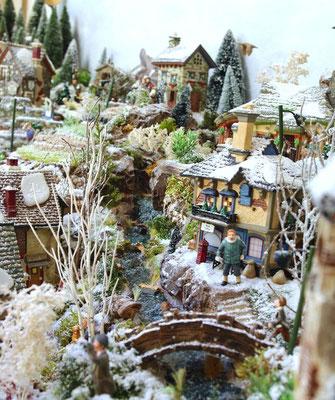 Village Noël/Christmas Village 2013 : Le long de la rivière