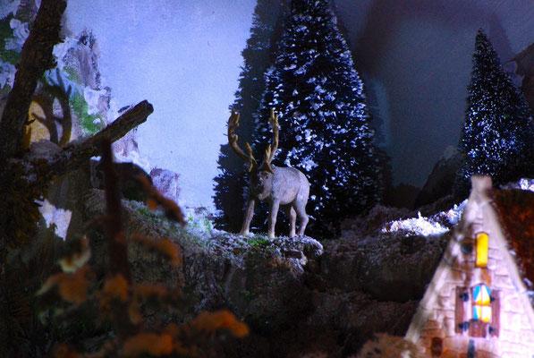 Village Noël/Christmas Village 2013, la nuit: Un cerf dans la nuit