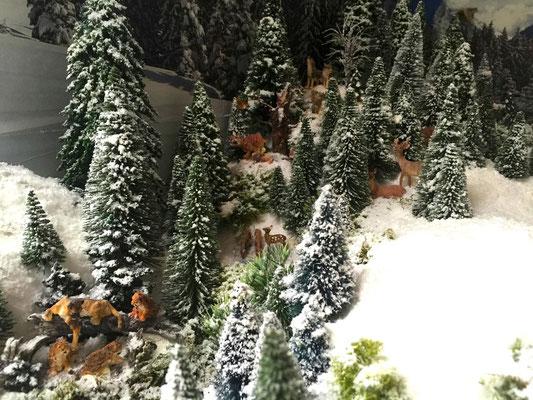 Village Noël /Christmas Village 2014, les hauteurs: Loups, cervidés, lynxs, pumas...
