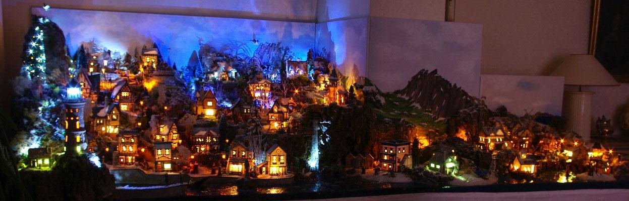 Village Noël/Christmas Village 2013, la nuit: Panoramique du village la nuit