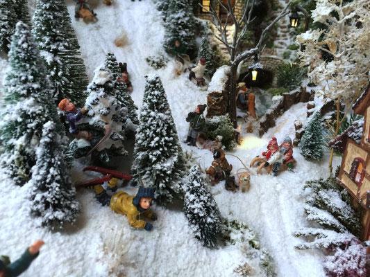 Village de Noël/Christmas Village 2014: Oups, petits soucis !