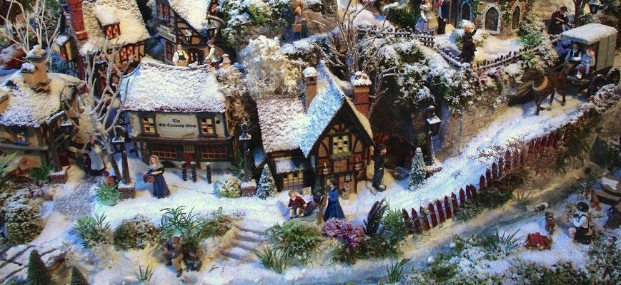 Village de Noël/Christmas Village 2014: la route du bord de l'eau