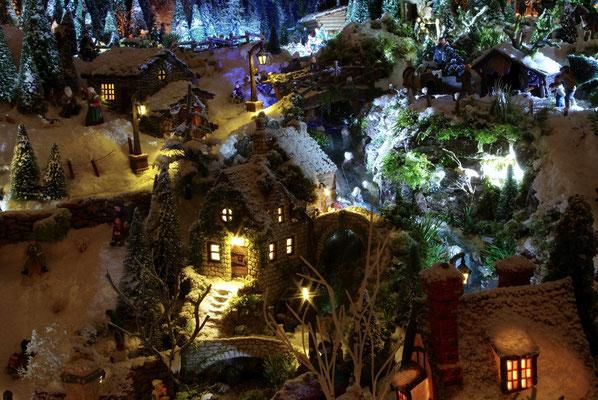 Village de Noël/Christmas Village 2014 de nuit: Le moulin dans la nuit