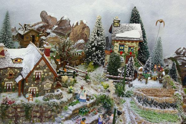 Village Noël/Christmas Village 2013 : Dernière maison du village