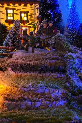 Village Noël/Christmas Village 2013, la nuit: Le rendez-vous des copains