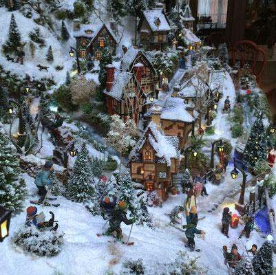 Village de Noël/Christmas Village 2014: La belle pente !