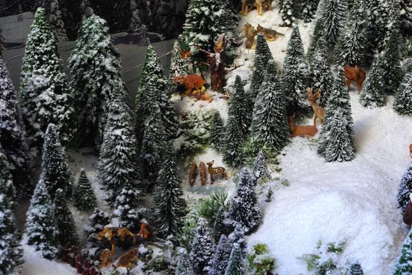 Village Noël /Christmas Village 2014, les hauteurs: Bien des espèces qui se cotoient