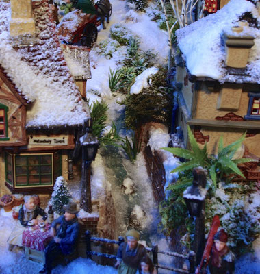 Village de Noël/Christmas Village 2014: Le torrent qui chemine