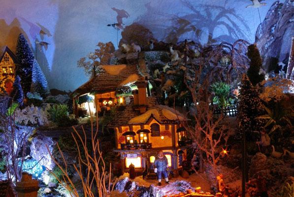 Village Noël/Christmas Village 2013, la nuit: La poste dans la nuit