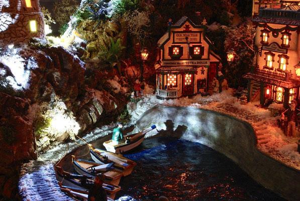 Village Noël/Christmas Village 2013, la nuit: Barques dans la nuit