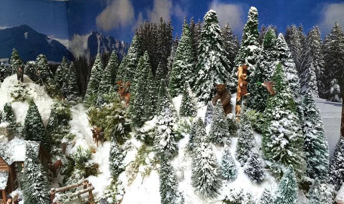 Village Noël /Christmas Vilage 2014, les hauteurs: Vie animale de la forêt