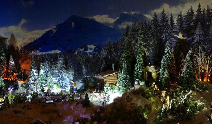 Village de Noël/Christmas Village 2014 de nuit: Bords du lac