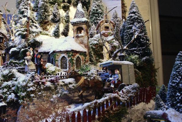 Village de Noël/Christmas Village 2014: En calèche près de l'église