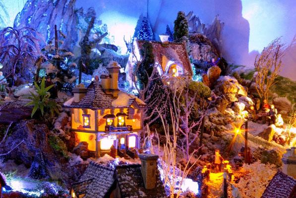 Village Noël/Christmas Village 2013, la nuit: Ombres et lumières