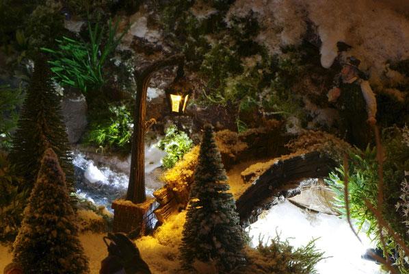 Village de Noël/Christmas Village 2014 de nuit: Petit pont sous le réverbère