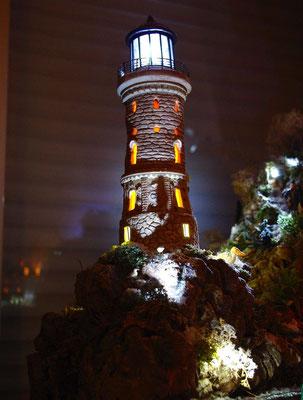 Village Noël/Christmas Village 2013, la nuit: Un phare dans la nuit