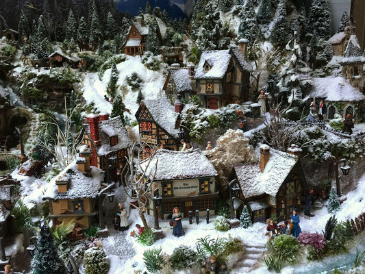 Village de Noël/Christmas Village 2014:  Le centre du village
