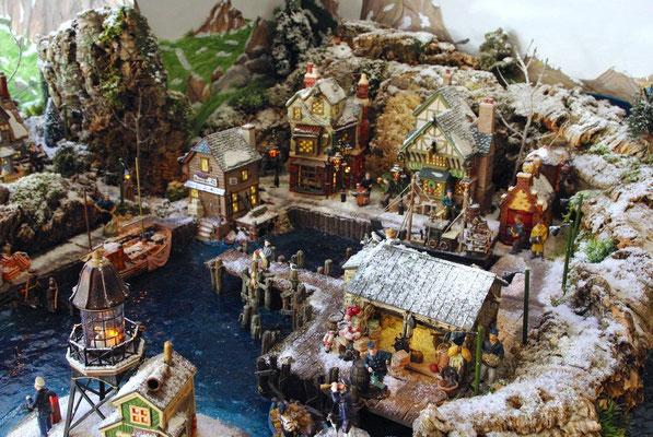 Village Noël/Christmas Village 2013: Un port dans une anse rocheuse