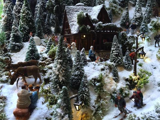 Village de Noël/Christmas Village 2014: Les abords du chalet