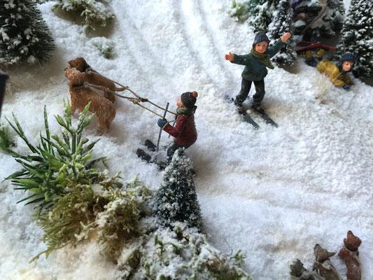 Village de Noël/Christmas Village 2014: Et avec les copains chiens, ç'est plus facile !