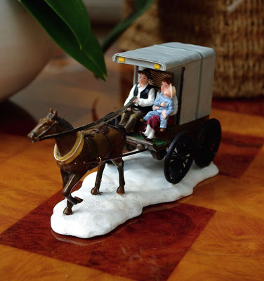 Horsecarriage with family - 600658 - vue 1
