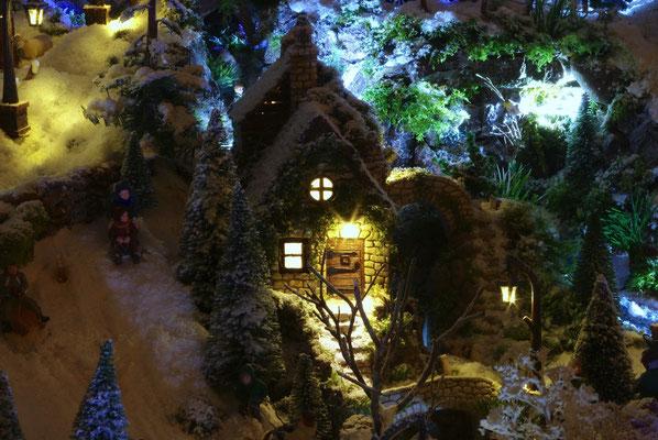 Village de Noël/Christmas Village 2014 de nuit: Allez maman , une dernière fois!