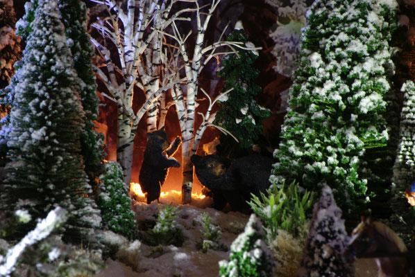 Village de Noël/Christmas Village 2014 de nuit: Ours dans les bois