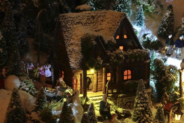 Village de Noël/Christmas Village 2014 de nuit: Pause au retour de la luge