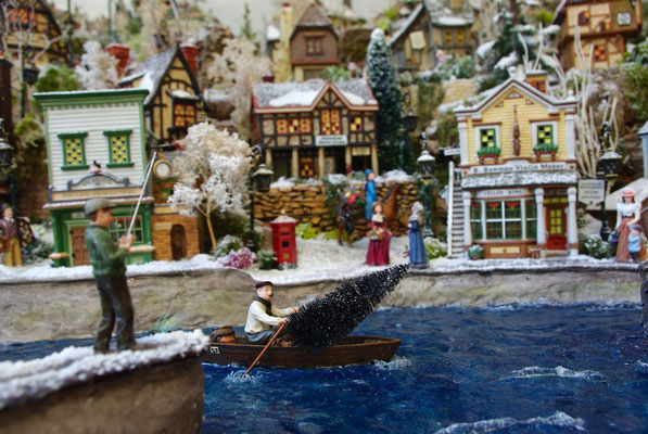 Village Noël/Christmas Village 2013: Un sapin à livrer