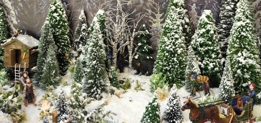 Village Noël /Christmas Vilage 2014, les hauteurs: À l'orée du bois.