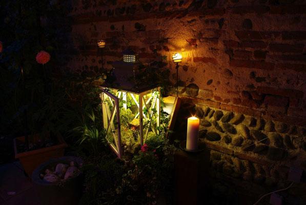 L'échappée belle dans la nuit - Le petit monde éclairé