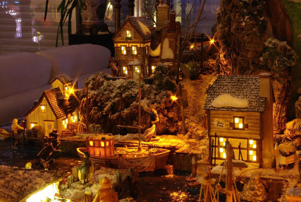 Village Noël/Christmas Village 2013, la nuit: Pontons et gréements