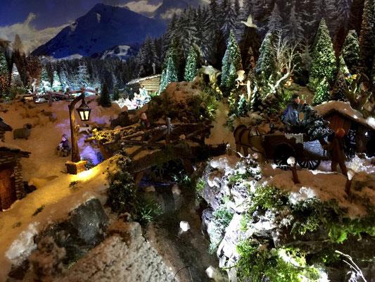 Village de Noël/Christmas Village 2014 de nuit: La nuit est tombée mais le travail continue