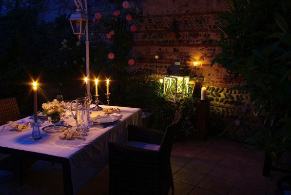 L'échappée belle dans la nuit -  Diner romantique au clair de la lanterne