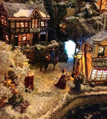 Village Noël/Christmas Village 2013, la nuit: Tunnel vers le port