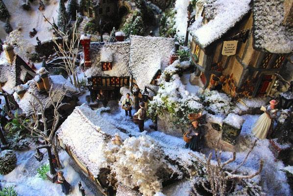 Village de Noël/Christmas Village 2014: Une rue bien pentue