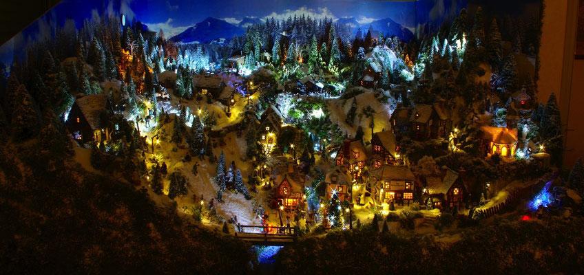 Village de Noël/Christmas Village 2014 de nuit: Vue générale de nuit