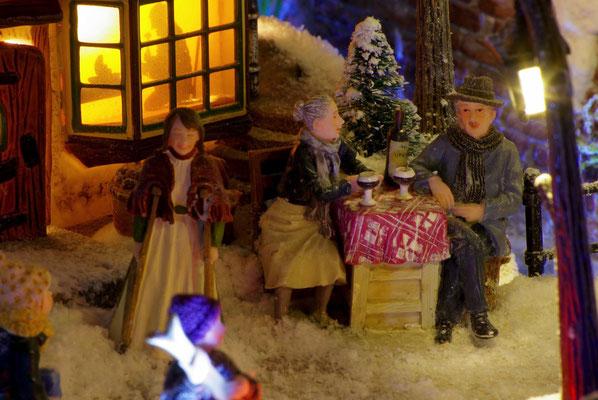 Village de Noël/Christmas Village 2014 de nuit: Un petit vin chaud !