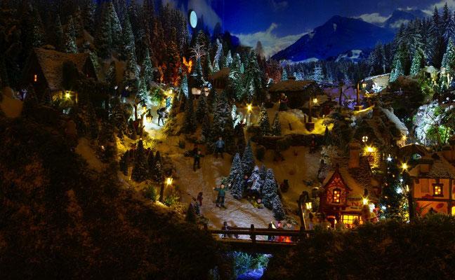 Village de Noël/Christmas Village 2014 de nuit: Ski de nuit