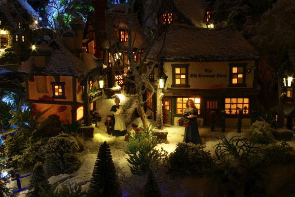 Village de Noël/Christmas Village 2014 de nuit: Courses du soir