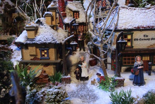 Village de Noël/Christmas Village 2014: Petite rue pavée