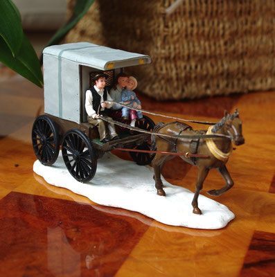 Horsecarriage with family - 600658 - vue 2