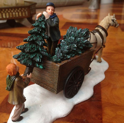 Lifting trees from a carriage - 600728 - vue 3