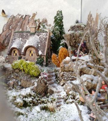 Village Noël/Christmas Village 2013 : Le petit cottage d'en haut