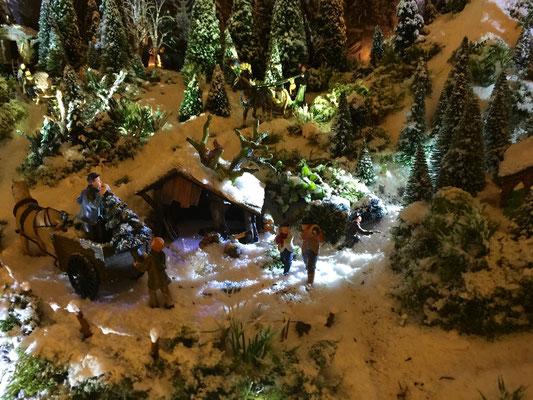 Village de Noël/Christmas Village 2014 de nuit: Il faut encore des sapins!