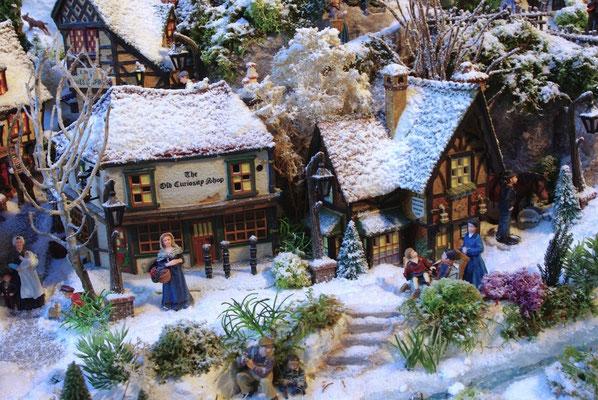 Village de Noël/Christmas Village 2014: Villageoises en courses