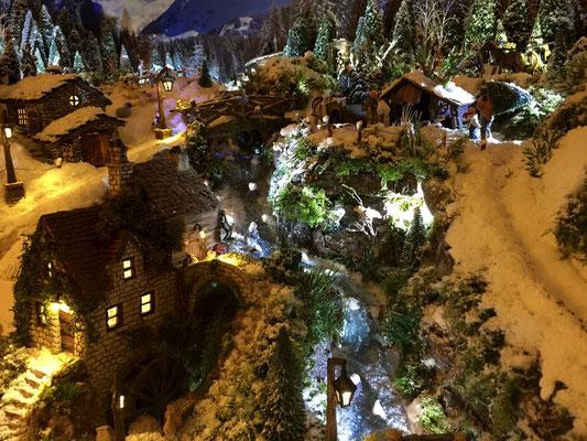 Village de Noël/Christmas Village 2014 de nuit: Le moulin de nuit