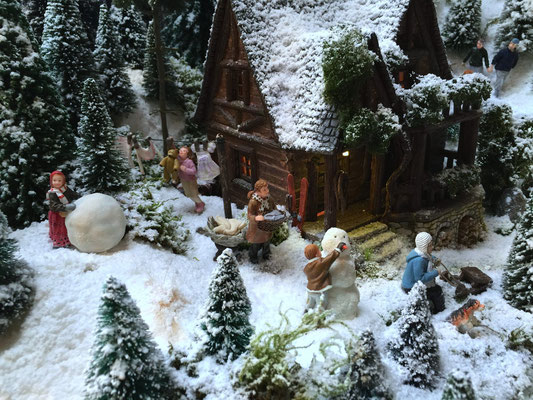 Village de Noël/Christmas Village 2014: Lessives et jeux de neige