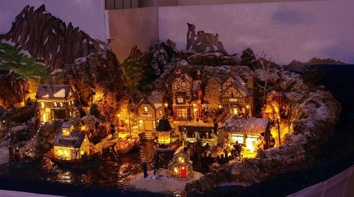 Village Noël/Christmas Village 2013, la nuit: le port la nuit